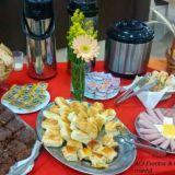 Acj Eventos e Caf� da Manh� Oferece: