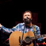 Péricles Garcia - voz e violão