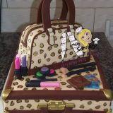 Mundo açucarado dos bolos, Ana Santiago