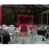 Aluguel de mesas, cadeiras, freezer e mesa decorat