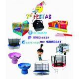 Brinquedos e equipamentos para festas e eventos.