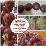 25 morangos com chocolate, 25 maçãs do amor, 25 al