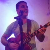 Música ao Vivo com Rogério Gomes