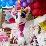 Unicórnio cosplay personagens vivos festa infantil