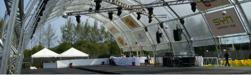 Locação de tendas piramidais, palcos e pisos prati