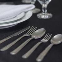 Kits de Louças 4 Peças: R$2,50. Kit 4 pç: Prato, taça, garfo e faca