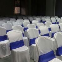 Capas para cadeiras de plástico e de ferro, com ou sem faixa.  Contato: 61 991419036 (Telefone e Wh