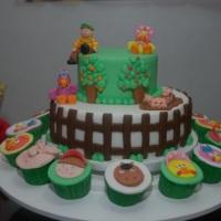 Bolo e Cupcakes Cocoricó