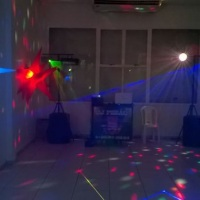 Festa infantil, Som Mecânico e iluminação de pista simples. Salão de festas de prédio.