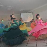 Vários formatos e tipos de danças.