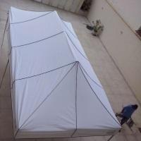 Tenda pantográfica medindo 4,5x3 m