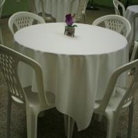Nossas mesas são todas rendondas.
