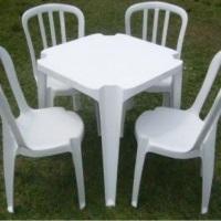 Mesas e Cadeiras de PVC