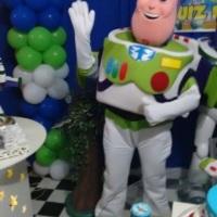 Personagem vivo Buzz Lightyear Toy Story