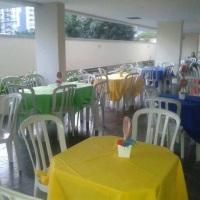 Mesas, Cadeiras e Toalhas para convidados