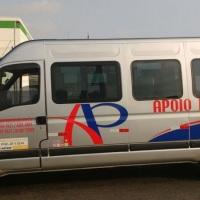 "Van executiva com capacidade para 15 passageiros, ar cond., dvd, tela LCD de 21"", sintonia tv d"