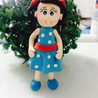Menina ( vestido galinha pintadinha )