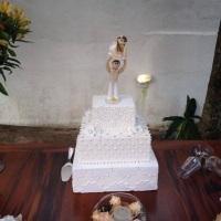 Bolo para casamento e noivinhos personalizados