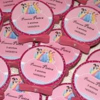 Latinha decorada e personalizada, recheadinhas com confete.
