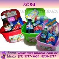 maleta + guloseima + brinquedo