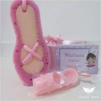 kit banho bailarina caixa personalizada+ laço de cetim contendo 1 esponja de banho e 1 sabonete sap