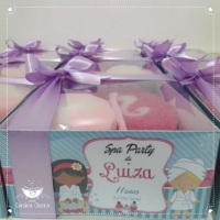 Kit banho spa / Barbie caixa personalizada+ laço de cetim contendo 1 esponja de banho e 1 sabonete