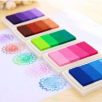 Almofada com tinta para arvore de digitais 4 cores em degradê,molhe o dedinho na almofada e coloque