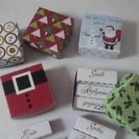Caixas pequenas de lembrança, acompanha 6 bis personalizados. Personalizados como tema da festa.