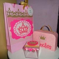 Lembranças tema princesa em scrapbook