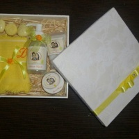 Caixa com kit beleza para os padrinhos/ convidados de Casamento