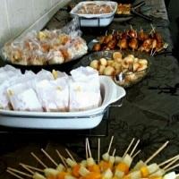 Frutas no palito, crepe suiço, cachorro quente, torta de legumes com queijo fresco, nuggets...