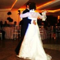 Noivos Dançando a Valsa das Flores do Ballet Quebra Nozes