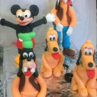 Personagem Disney em pasta americana
