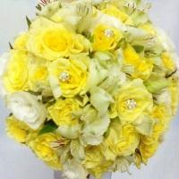Buquê de noivas - Astromélias com Rosas.