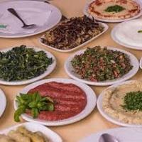 Ofereça um maravilhoso buffet de comida árabe em sua festa. Se preferir, faça sua encomenda. Temos s