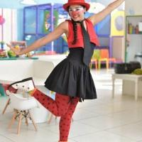 Pintura Artística Maquiagem Social Modelagem em Balões Recreação Animação  Números Dança Inte