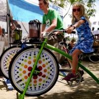 Bike-Ligth. Bicicleta para ações de marketing, o participante faz o suco natural na hora pedalando.