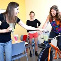 Bike-Ligth. Bike para produzir suco natural pedalando na hora pelo participante.