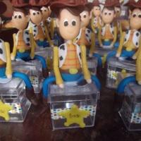 caixinhas acrilicas personagen hood para lembrancinhas,qualquer personagem ou tema,