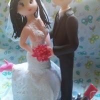 casal noivinhos topo de bolo ela 17cm ele 18 estilo fofinho copia vestido penteado e detalhes