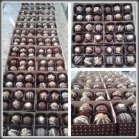 Produção de mini bombons para a Páscoa 2015.