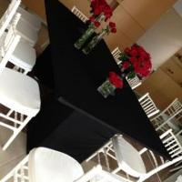 Cadeiras tiffany e mesas exclusivas