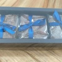 Kit com 3 brownies 7x7. Sabores: tradicional, paçoca, tradicional com nozes, red velvet, oreo, choco