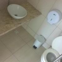 Banheiro feminino salão principal