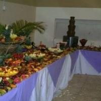Mesa de Frutas com Cascata de Chocolate 1