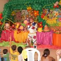 A FESTA TÁ ROLANDO COM AS BRINCADEIRAS DO NOSSO PALHAÇO!