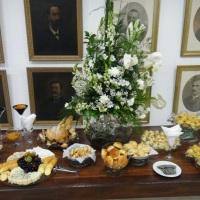 Mesas de queijos, pães e accessórios - acompanha vinhos