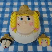 Bolo e cupcakes festa junina.
