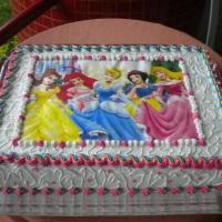 Torta princesas decorada com papel de arroz * temos vários outros temas * Você pode nos enviar a fot