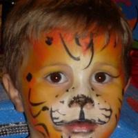 Pintura de rosto e bola mania! A criançada adora!!